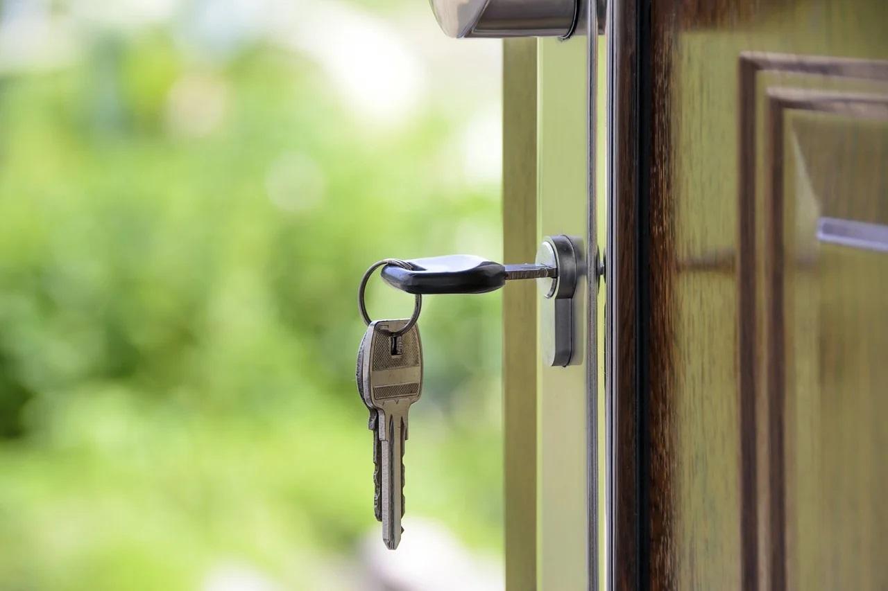 Dveře od domu