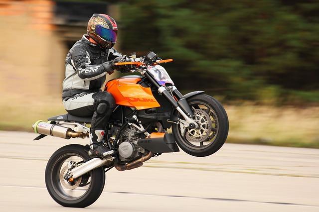sportovní motorka