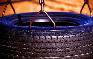 závesná houpačka pneumatika
